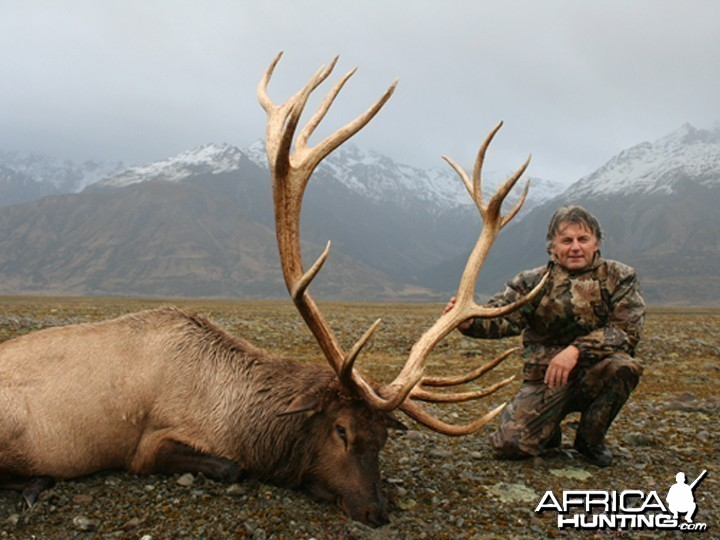 Hunter and Writer J. Alain Smith New Zealand Wapiti