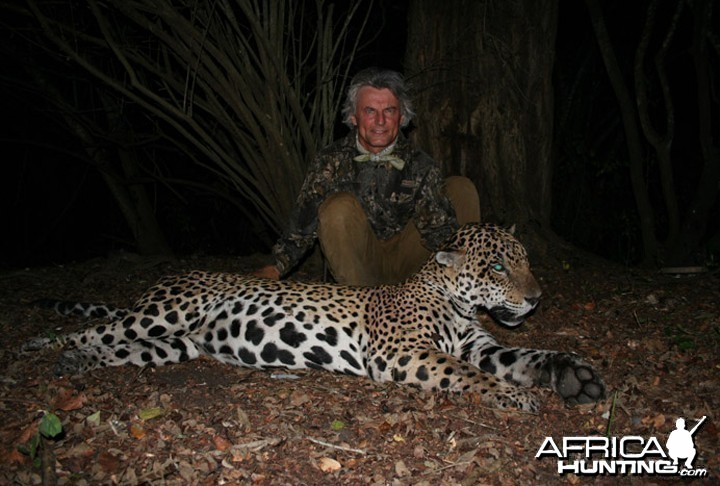 Hunter and Writer J. Alain Smith darted Jaguar