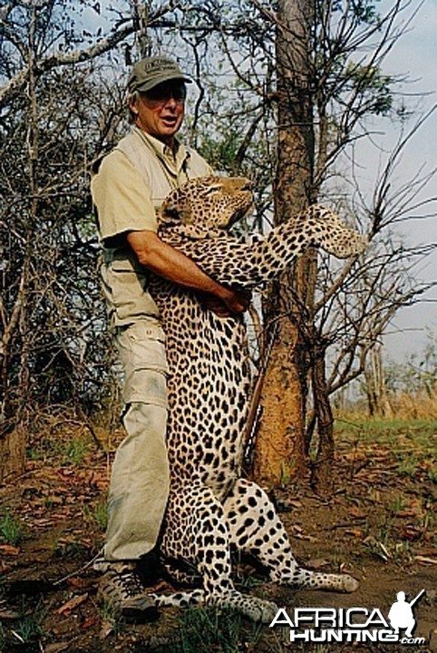 Bela Hidvegi with Leopard hunted in Tanzania