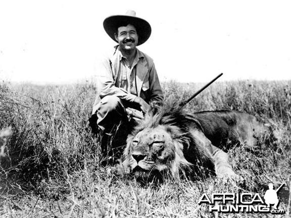 Ernest Hemingway hunting Lion