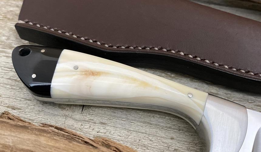 _0067_DAG 008 - Dagga 2020 - Warthog tusk.Buffalo horn - Back close up.jpg