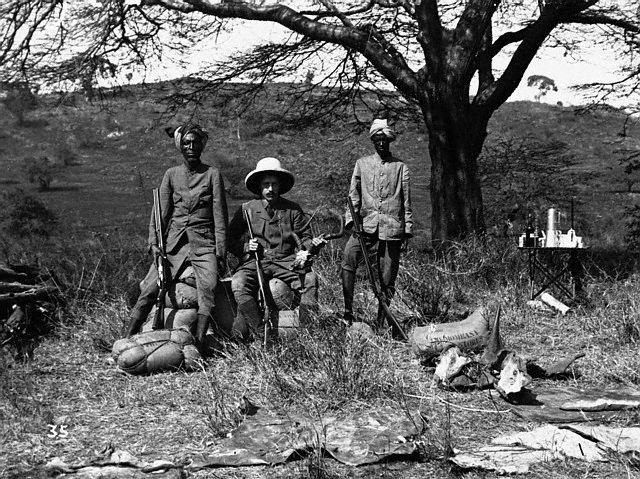 An 1895 safari in British East Africa.jpg