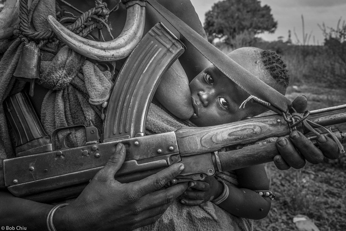 Bob-Chiu-mother-child-weapon-Ethiopia-2.jpg