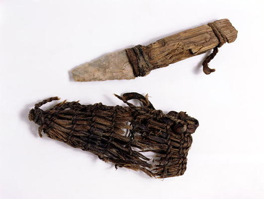dagger_and_scabbard_found_with_hi.jpg