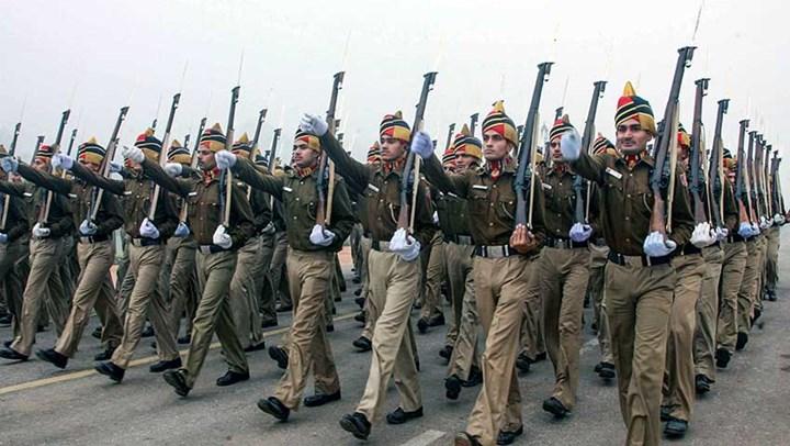 delhi-police-marching-india-retires-last-lee-enfields-keefe-report-f.jpg