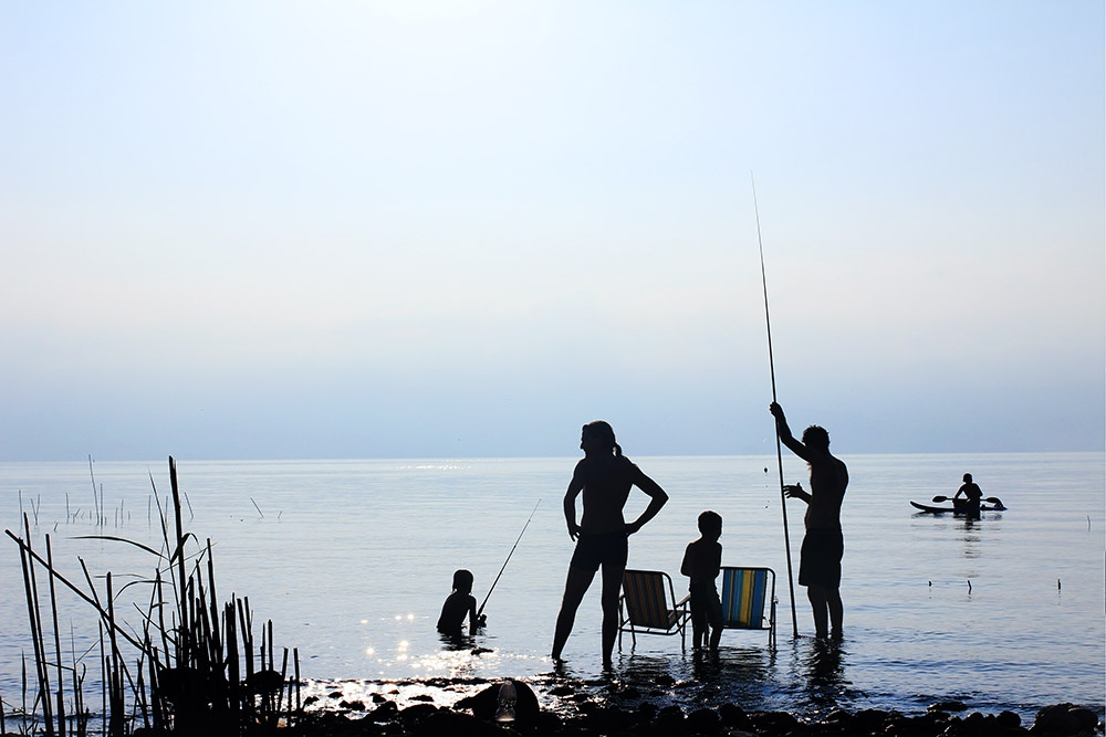 familyfishingvacation.jpg