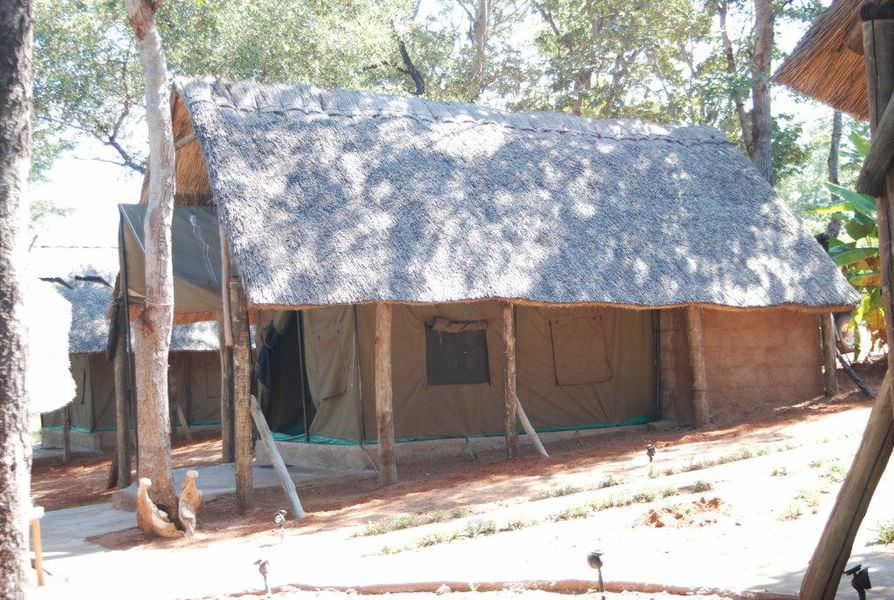 hunting-camps-zimbabwe-03.jpg