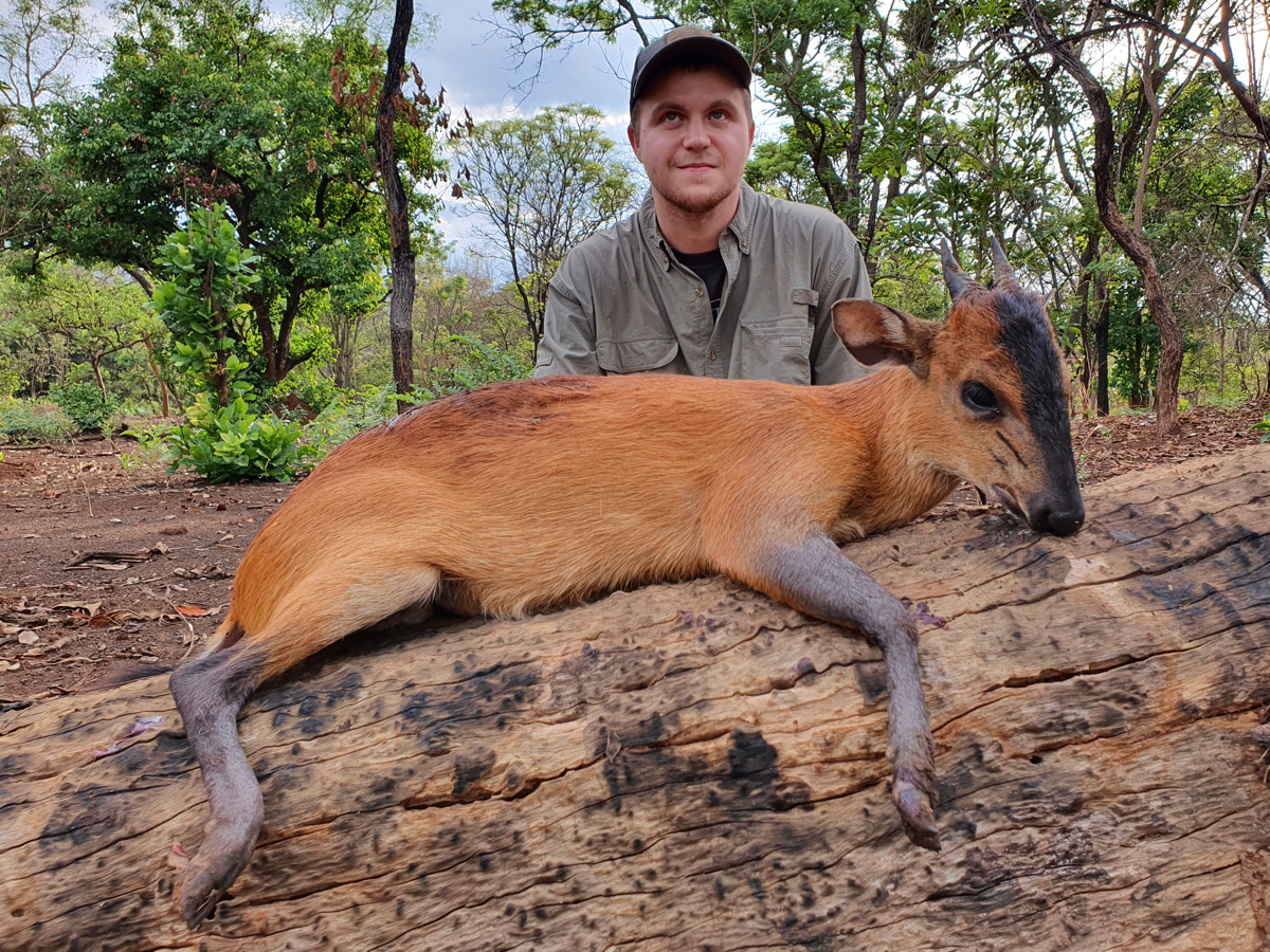 hunting-central-africa-25.jpg