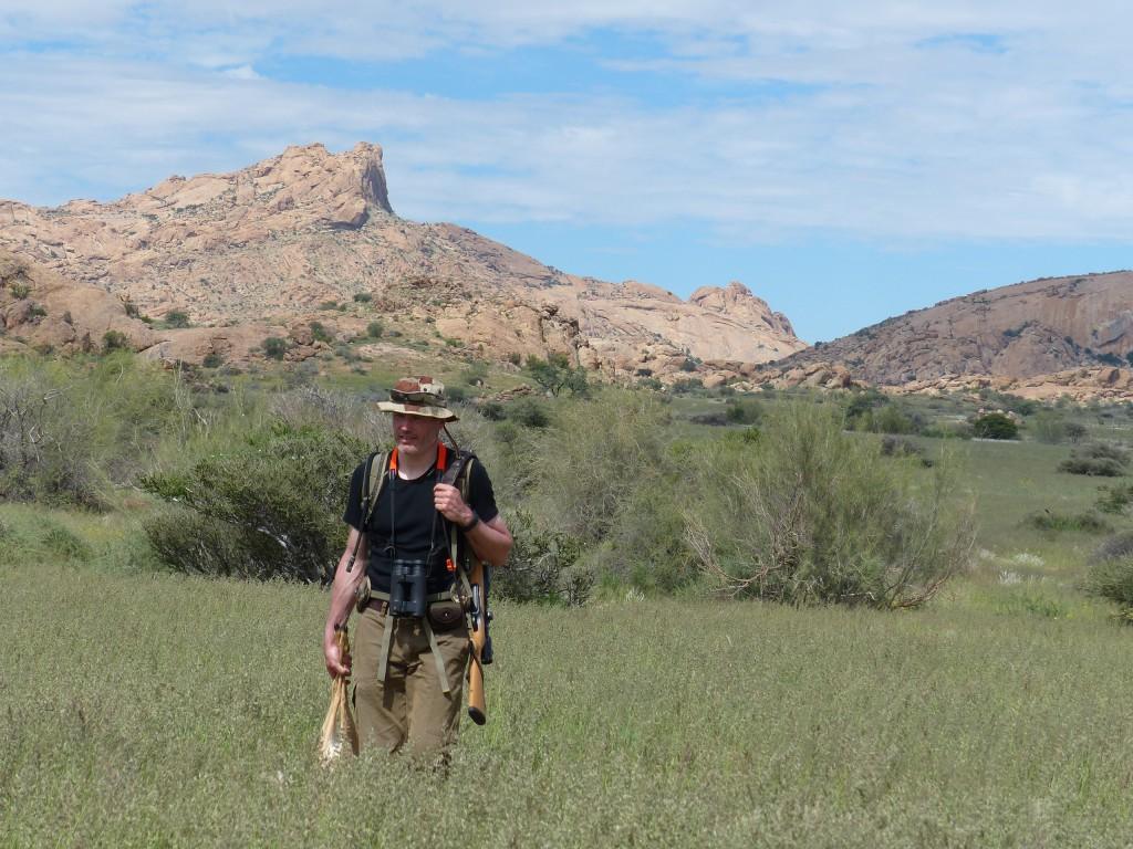 Jaeger-Namibia-hunter-with-prey-1-1024x768.jpg