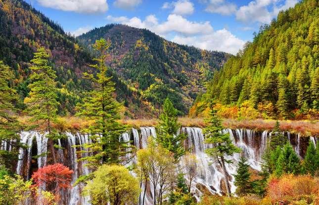 Jiuzhaigou National Park, China.jpg