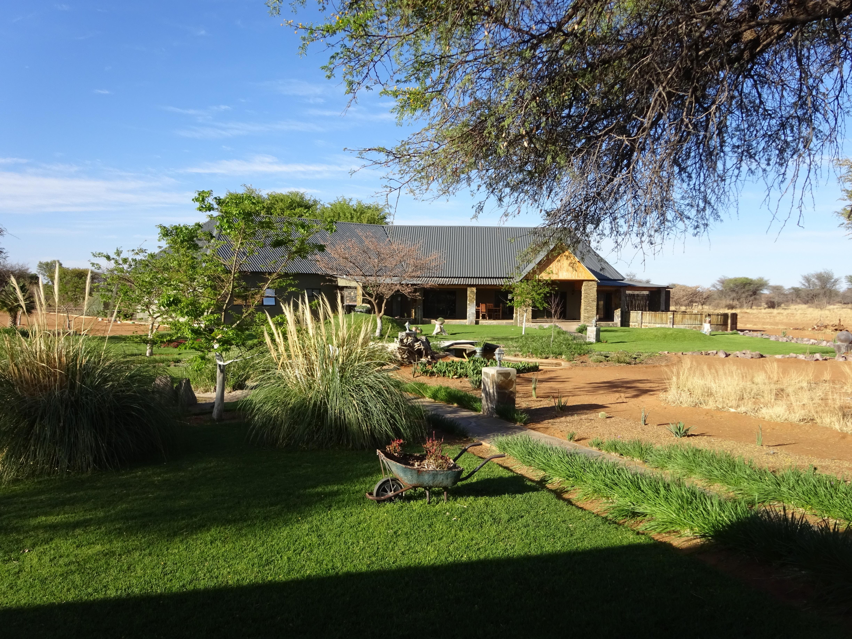 Lodge Africa Awaits..JPG