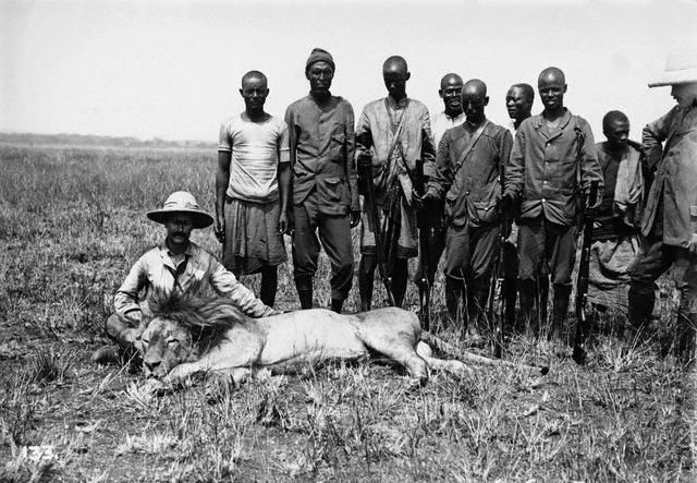 n 1895 safari in British East Africa.jpg