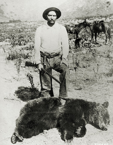 One of the very few surviving pictures of a desert grizzly hunts, possibly California.jpg