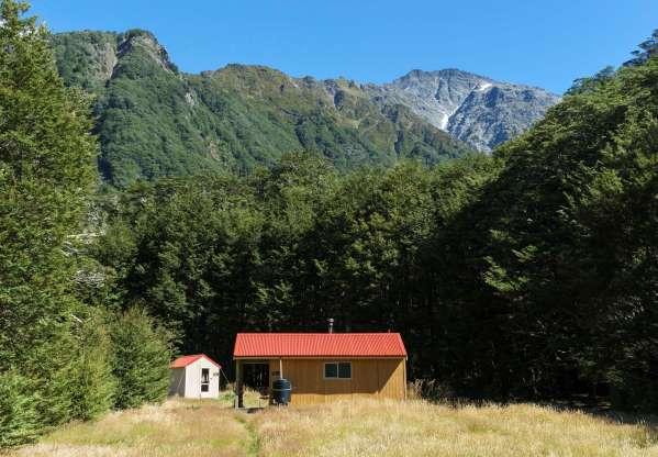 Trampers hut Southern Alps.jpg