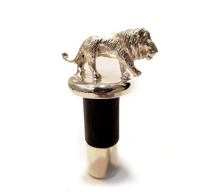 wine-stopper-lion.jpg