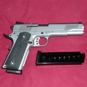 Smith & Wesson SW1911 Pistol