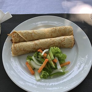 Impala meat sauce crepe with vegetables