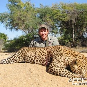 Leopard Hunt in Save Valley Conservancy Zimbabwe