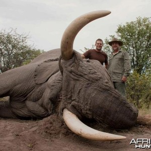 86 pound tusker hunted with Johan Calitz Safaris in Botswana - PH Garth Rob