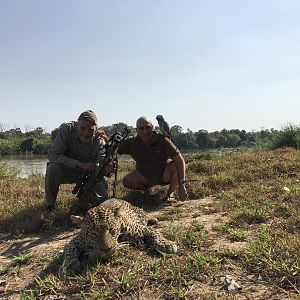 Crossbow Leopard Hunt