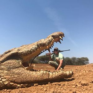 South Africa Hunt Crocodile