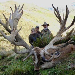 "Hunting 608"" Inch Red Stag in New Zealand"