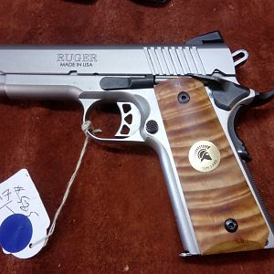 1911 Grip on Ruger Pistol Finished Product