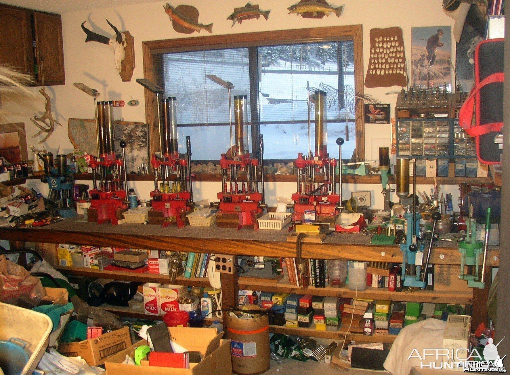 Reloading Bench Height |Rifle Bullet Reloading Table
